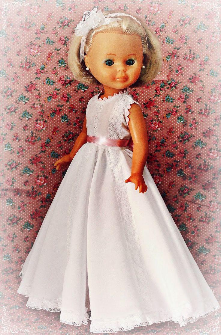 Cosiendo para Nancy, ademas de otras muñecas: Nancy se viste de comunion