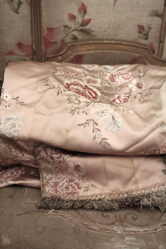 107 best shabby chic fabrics wallpaper stoffe tapeten images on pinterest wall papers. Black Bedroom Furniture Sets. Home Design Ideas