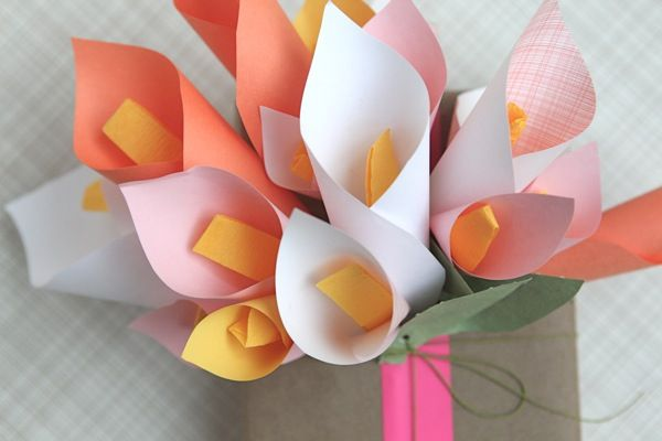 Cute wrapping idea with paper calla lilies. Could be cute in a vase also. Cute mothersday idea for kids to make!!