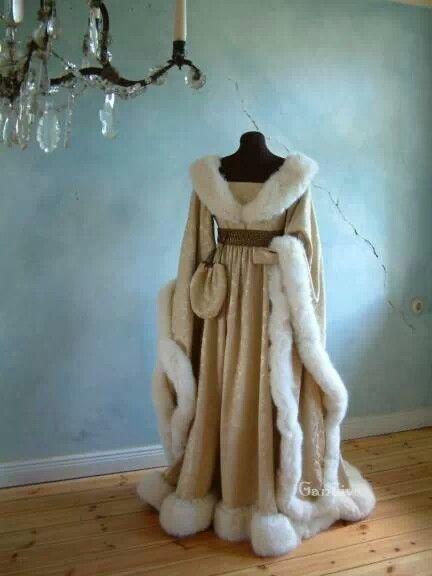 Possibly for a winter wedding? Medieval dress  Keywords: #medievalweddingdresss #jevel #jevelweddingplanning Follow Us: www.jevelweddingplanning.com www.pinterest.com/jevelwedding/ www.facebook.com/jevelweddingplanning/