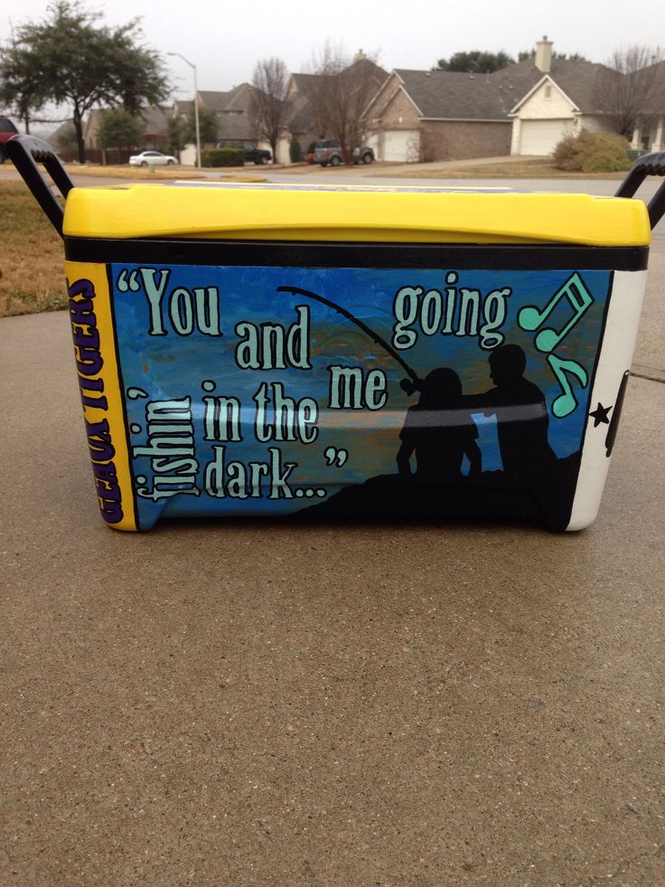 Painted cooler. Sweethomesouthern.etsy.com