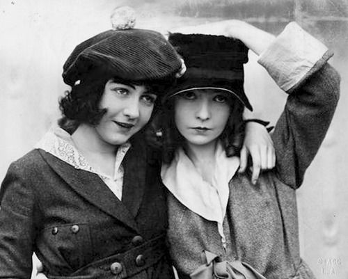 Silent Screen Celebrity Sisters: Dorothy and Lillian Gish, c. 1910s