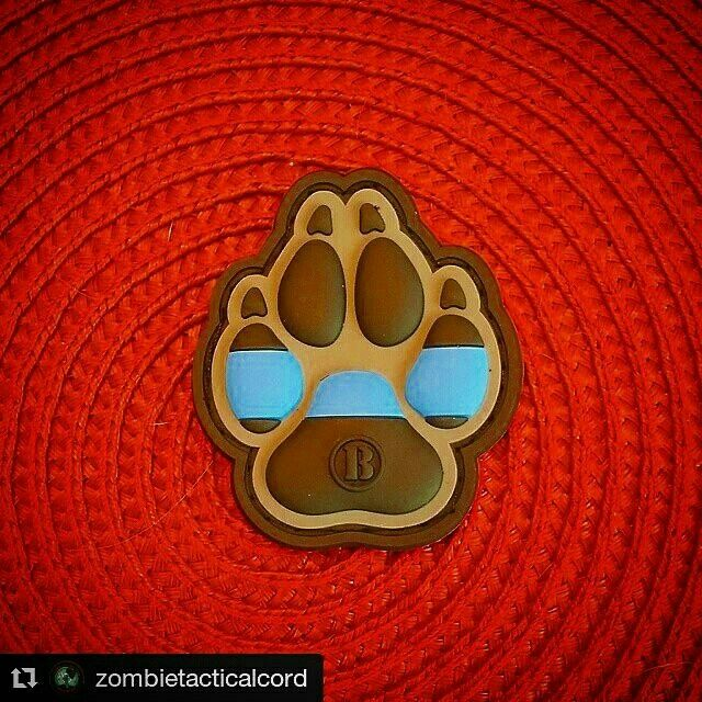 K9 Thin Blue Line Paw PVC Patch Even your furry 4 legged malligator pal needs morale patches.  In our store: Www.Zombietacticalcord.com  #zombietacticalcord #ZTC #thinblueline #coplife #sheepdog #lawenforcement  #k9 #malligator