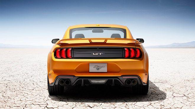 Ford, resmi kaynakları üzerinden 2018 model Mustang GT'nin motor sesini zil tonu olarak meraklılarıyla buluşturdu.                Zaman ilerledikçe otomobil tarihinin efsane otomobilleri de bu modernleşmeye ayak uydurarak görünüş bazında farklı formlarla karşımıza çıkıyor. Tıpkı Camaro ve...   http://havari.co/2018-ford-mustangin-essiz-motor-sesi-akilli-telefonlar-icin-zil-tonu-oldu-indir/