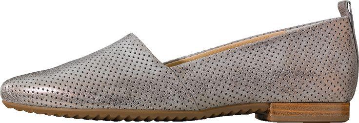 VORNEHMER SLIPPER  Exklusives Design zeichnet den Slipper der Marke Paul Green aus! Die raffinierte Lochung des Leders wird zu einem absoluten Blickfang.