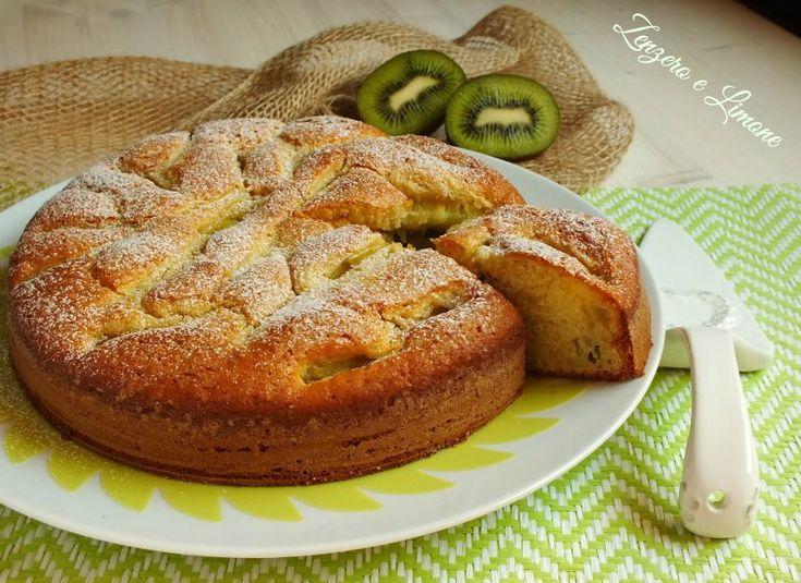 La torta ai kiwi è un dolce morbidissimo, leggero e di facile preparazione. È indicata per la prima colazione o per una sana e gustosa merenda.