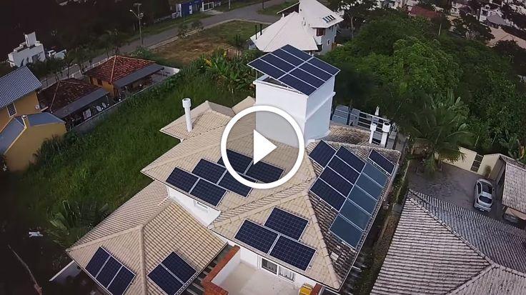 LUZ SOLAR - Sistema Solar Fotovoltaico - Lindas imagens de DRONE                                           Sistema Solar Fotovoltaico instalado em residência na Praia do Jurerê em Florianópolis, Santa Catarina. São 28 painéis solares de 260Wp totalizando 7,28kWp montados sobre laje e telha cerâmica que geram em média 765kWh por mês. Confirma mais em nosso... construindo painel fotovoltaico, construindo painel solar, construindo painel solar caseiro dicas células fo
