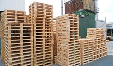 Express Pallets & Crates are proud to offer our customers heat treated #pallets and #crates in varying sizes and styles to ensure your goods are safe during international transit. Visit: