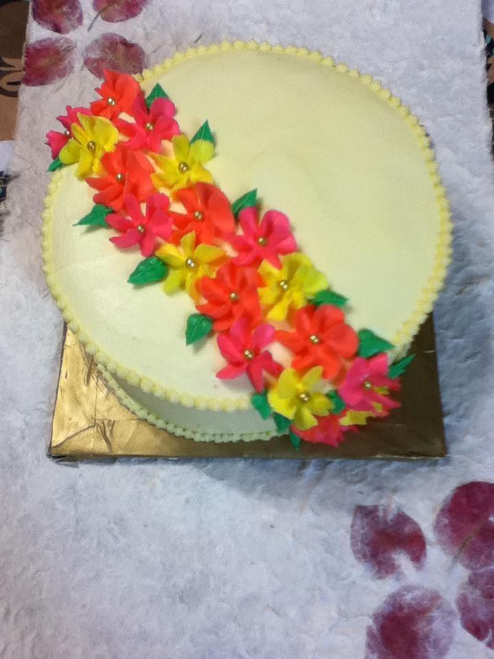 delicate drop flowers cake