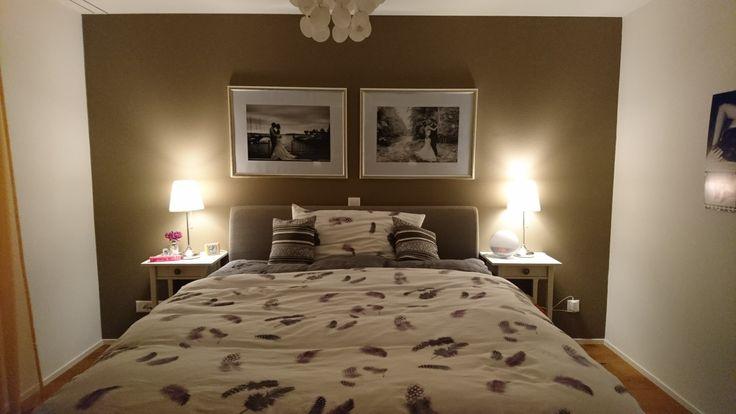 schlafzimmer#pfister#boxspringbett#nachttische#nachttischlampen#ikea