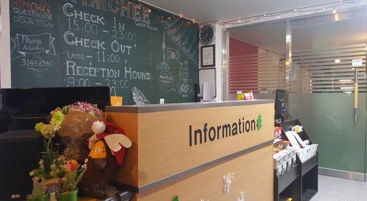 Rp561.436 Kimchee Downtown Guesthouse menawarkan kamar-kamar simpel dan tempat tidur susun dalam kamar asrama, serta menyediakan WiFi gratis.