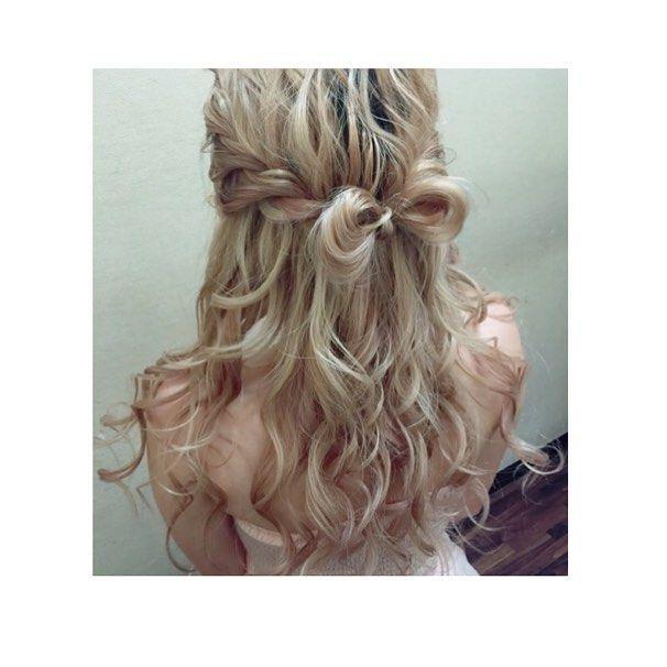 #hairarrange * カジュアルリボン🎀 * #hair#hairstyle#hairmake#ヘア#ヘアスタイル#ヘアアレンジ#アレンジヘア#ヘアメイク#ヘアセット#ハーフスタイル#ハイトーン#リボンヘア#大人かわいい#ブライダルヘア#簡単ヘア