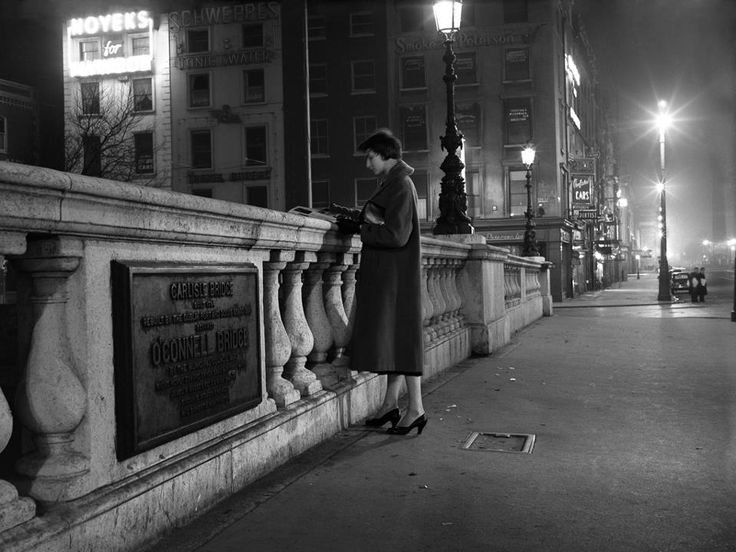 'The Lady on the Bridge', Dublin, 27th March 1956. Irish Photo Archive