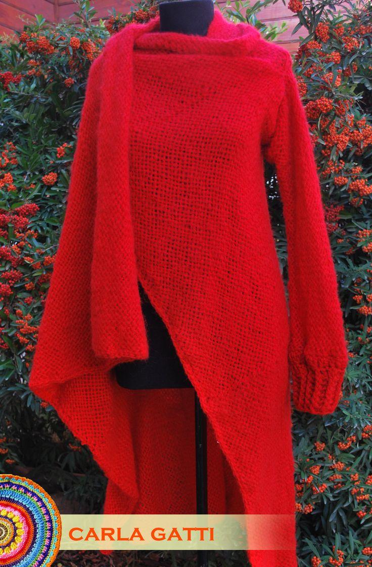 Saco irregular tejido en telar con lana mohair color rojo.  Por consultas comunicate conmigo, visitando mi blog: carlagatti.blogspot.com.ar y mi Facebook: Carla Gatti Patagonia Tejidos