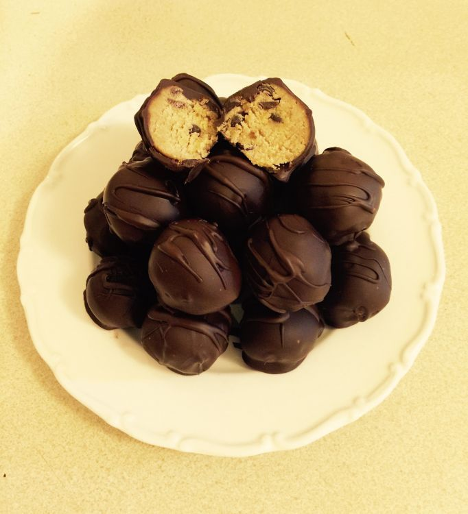 Healthy Cookie Dough Truffles
