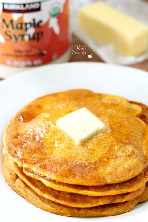 Easiest Pancake Mix Pumpkin Pancakes: Short on time but still want your pumpkin fix? Try making this simply delicious short stack! Click through to find more easy and scrumptious pumpkin pancakes to try this fall.
