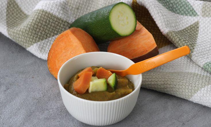 """Der Lachs-Brei mit Süßkartoffeln und Zucchini ist als ein echter """"Schlaumacher-Brei"""". Noch dazu enthält er gutes tierisches Eiweiß, Vitamin C und Kalium."""