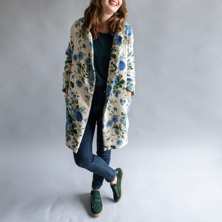 Aime comme Mazarine - Aime comme Marie Pattern - Avec ce manteau à la couple ample et longue, nous avions envie de rendre hommage à l'esprit libre et résistant des Françaises. Affranchissez-vous des codes, dégainez votre allure nonchalante et élégante. Jouez avec l'esprit masculin-féminin : Mazarine est un manteau boyish entièrement doublé dont l'allure garçonne réveillera la Jane Birkins qui est en vous.