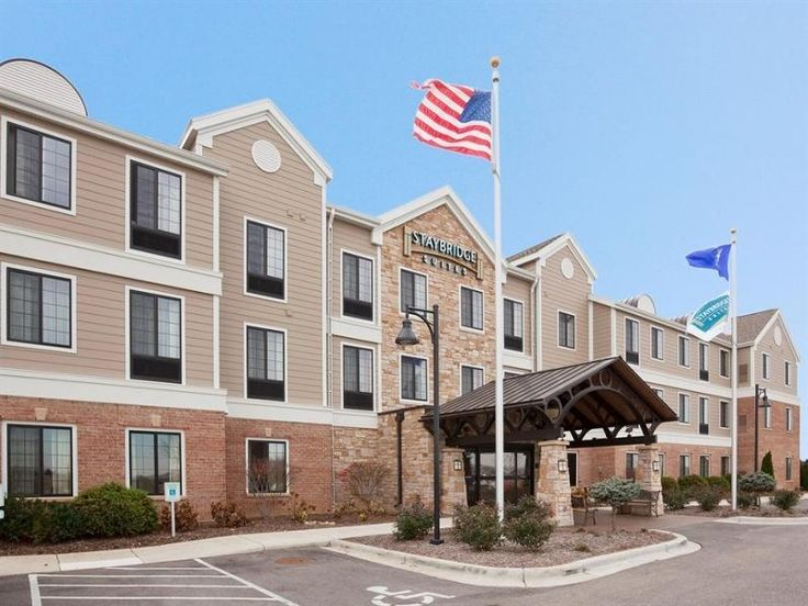 Oconomowoc (WI) Staybridge Suites Milwaukee West-Oconomowoc United States, North America Stop at Staybridge Suites Milwaukee West-Oconomowoc to discover the wonders of Oconomowoc (WI). The property features a wide range of facilities to make your stay a pleasant experience. Take advantage of the hotel's free Wi-Fi in all rooms, 24-hour front desk, facilities for disabled guests, luggage storage, meeting facilities. All rooms are designed and decorated to make guests feel right...