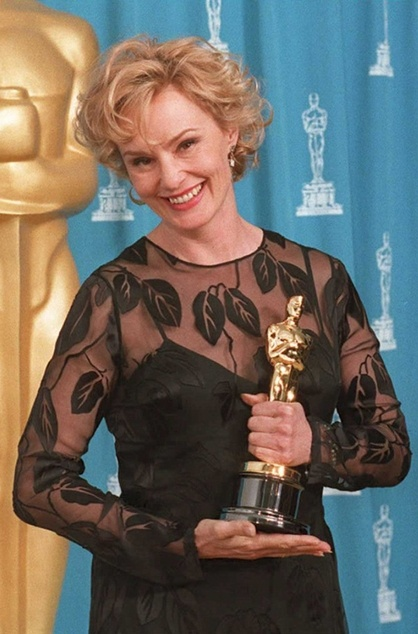 """1994 - JESSICA LANGE  with the Oscar just won for her work in the movie """"Blue Sky"""""""