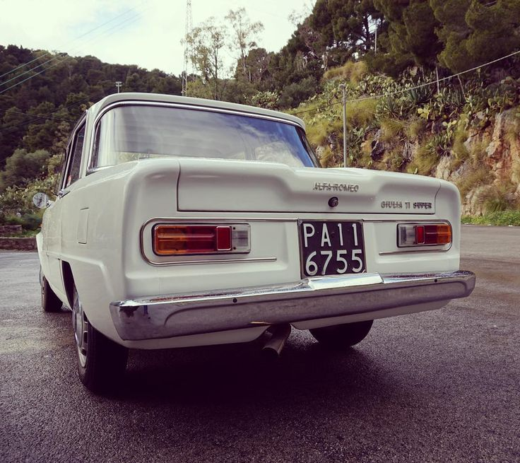 Alfa Romeo Giulia TI Super - one out of 501 cars. #cars #auto #autovideoreview #sicilia #italy #alfaromeo #alfista #alfisti #alfaromeogiuliaquadrifoglio #quadrifoglio #carporn #picoftheday #carsofinstsgram #vintage #carstagram #alfa_romeo_de #alfalfa #alfa #oldtimer @alfaromeo #sexy #qv