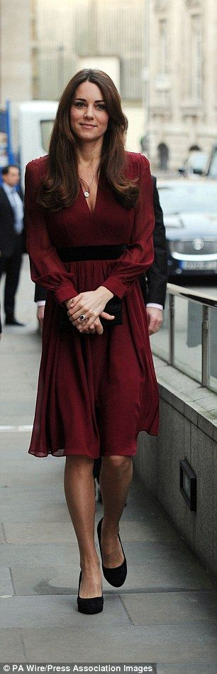 Kate wore a £120 Whistles dress and £40 Episode suede shoes for a visit to the National Portrait Gallery in 2013
