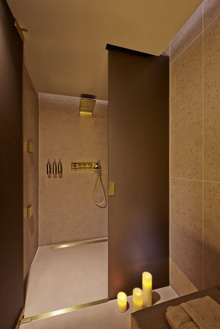 Patricia urquiola se transforme en or l 39 eau du spa l for 927 interior decoration l l c