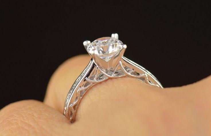 model cincin wanita sangat banyak dan beragam, kalian yang ingin memiliki cincin wanita mungkin perlu memperinci model cincin apa yang populer