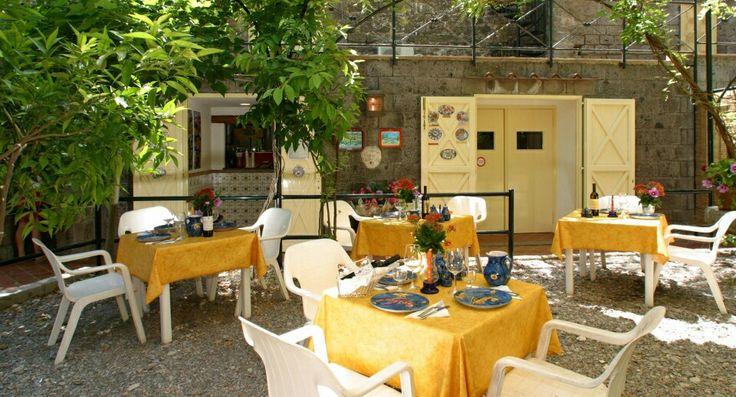 Beach Restaurant  #sorrento #sea #mare #food #restaurant  #seaview #suite #love #napoli #napoles #life #sun #beach #terrace #hotellatonnarella #hotel #wedding #sorrentowedding