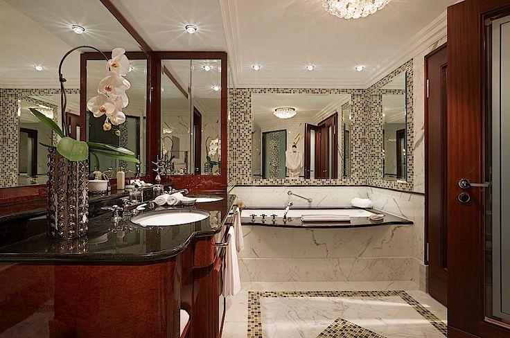 Breidenbacher Hof Hotel, Dusseldorf - Fabulous bathroom - FashionableHotels.Com