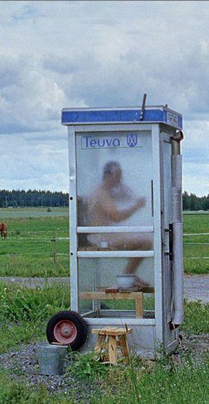 Die Finnen haben nicht nur die finnische Sauna erfunden, sondern auch die mobile – sieht aus wie eine Telefonzelle und kann überall stehen, wo man sie braucht. Mehr über die Finnen und ihre Gewohnheiten: http://www.travelbook.de/europa/9-gute-Gruende-Warum-Sie-unbedingt-mal-nach-Finnland-muessen-545820.html