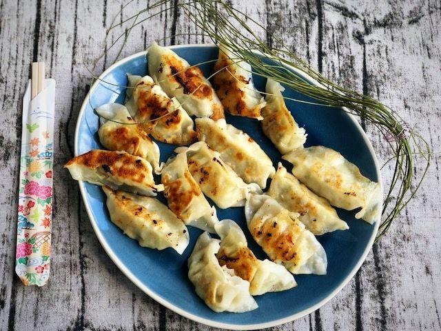 Fertige Gyoza in 10 Minuten auf dem Tisch l japanische Teigtaschen mit Honig