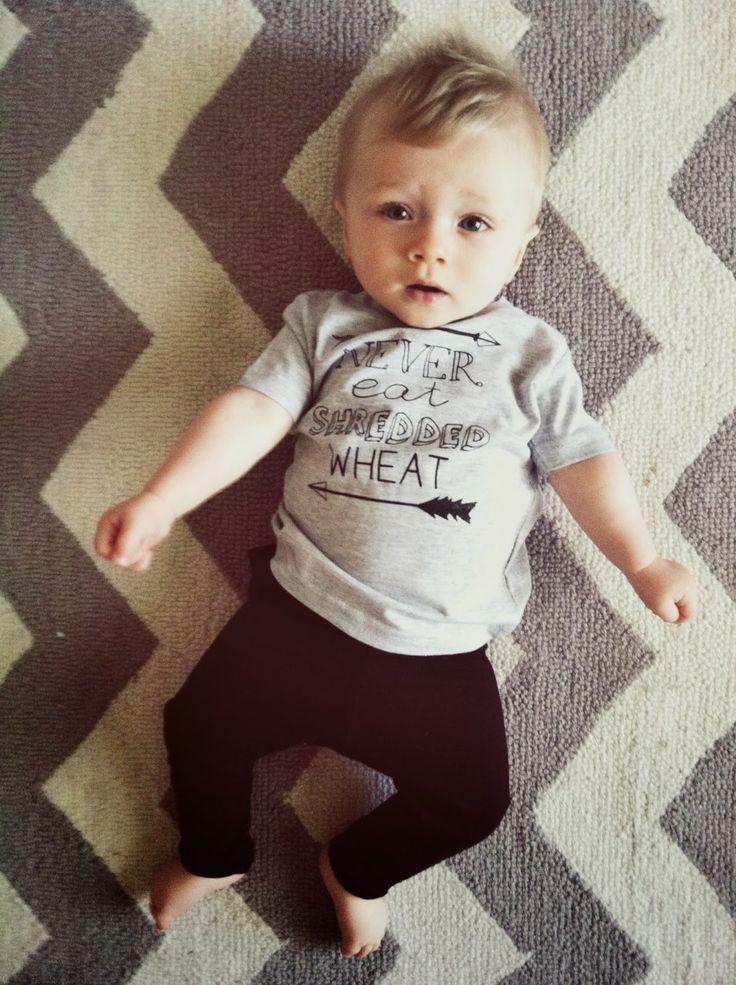 #corte #cabelo #bebê #menino baby boy style, baby fashion, baby clothes, baby boy fashion, baby ootd, never eat shredded wheat baby Tee, Dear Cub, H&M with a 15% off discount on the blog www.tessarayanne.blogspot.com