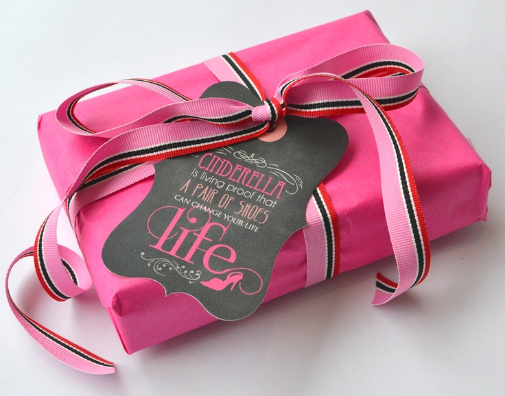 Gift wrapping with Fashionista Gift tags - www.macaroon.co