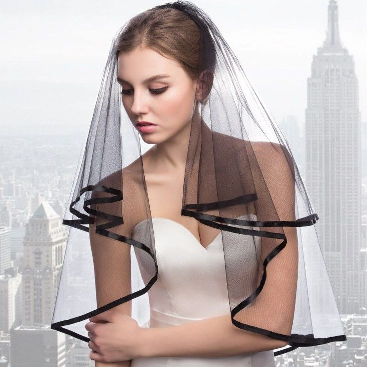 Black Bridal Veils 2 Layers Tulle Hot Sale Wedding Accessory Satin Edge 2017 Simple Style Short Bridal Veils with Comb
