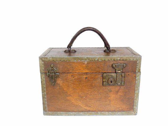 Antique Wood And Rustic Metal Box Storage Vintage Briefcase Style Industrial Steampunk Sewing Diy Tools Storage Box Avec Images Malette De Rangement Bois Antique Bois Metal
