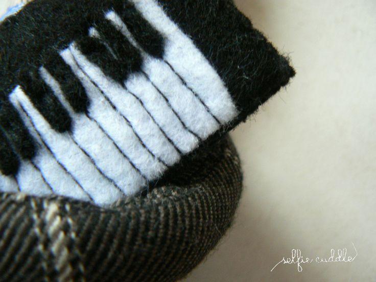 fabric handmade doll, portrait, selfie, detail of piano
