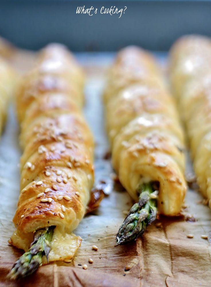 Szparagi zapiekane w cieście francuskim