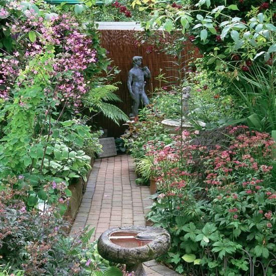139 best gardening images on pinterest for Small english garden designs