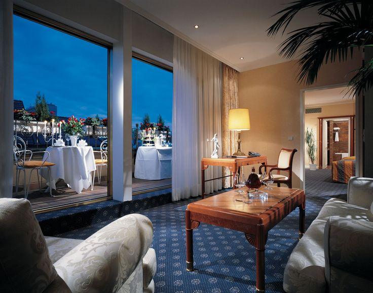 Suite Room At 5 Star Hotel Kempinski Bristol This S Address Is Kurfürstendamm 27 Charlottenburg Berlin 10719 And Have 301 Rooms