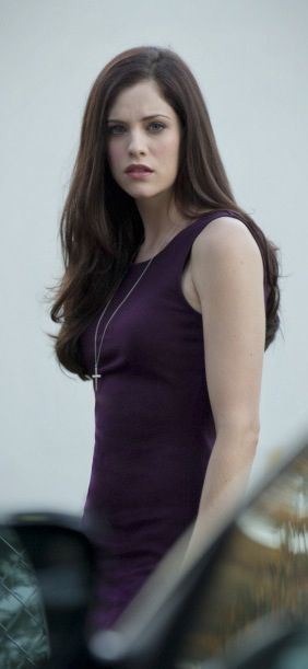 Arrow - Helena Bertinelli / The Huntress played by Jessica De Gouw