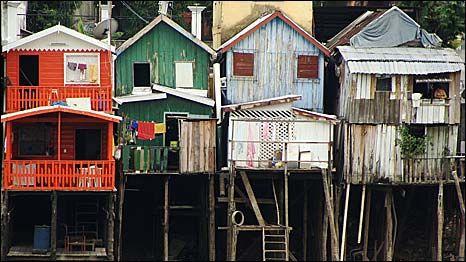 Casa a beira do rio em Manaus - Amazonas - Brasil - Home to Riverside in Manaus - Amazonas -Brazil