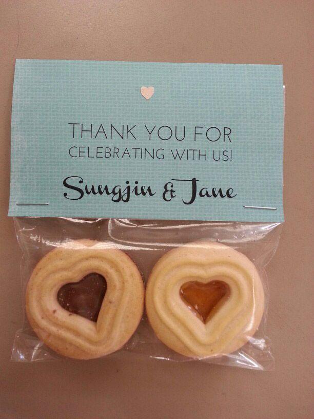 DIY Easy Wedding Favors under 1$ - with hawaiian pineapple shortbreads cookies or mac nuts? @amandamekeel