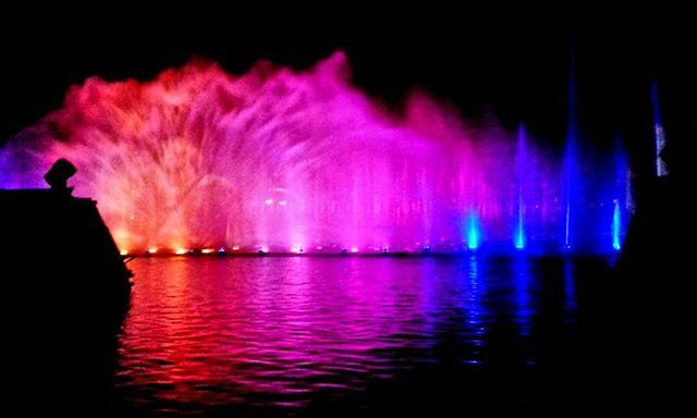 #throwbackthursday to #springbreak. ⠀⠀⠀ ⠀ #tbt #colors #color #colorful #bright #lighting #light #happy #pink #red #blue #water #fountain #shadow #shadows #reflection #perfection #perfect #modern #contemporary #night #nighttime #throwback #glow #memories #simplicity #happythursday #goodnight