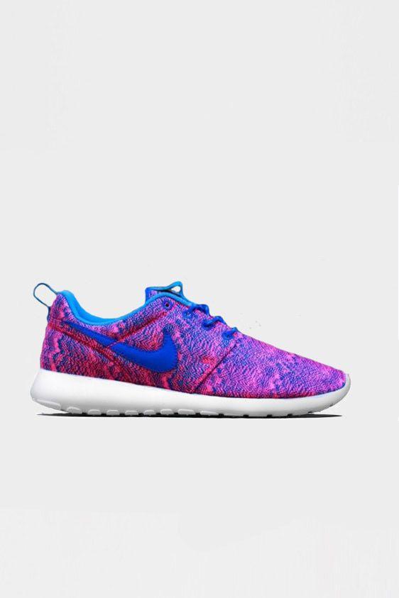 Nike Roshe Run Print Hyper Cobalt | 114,95 www.altamoda.nl