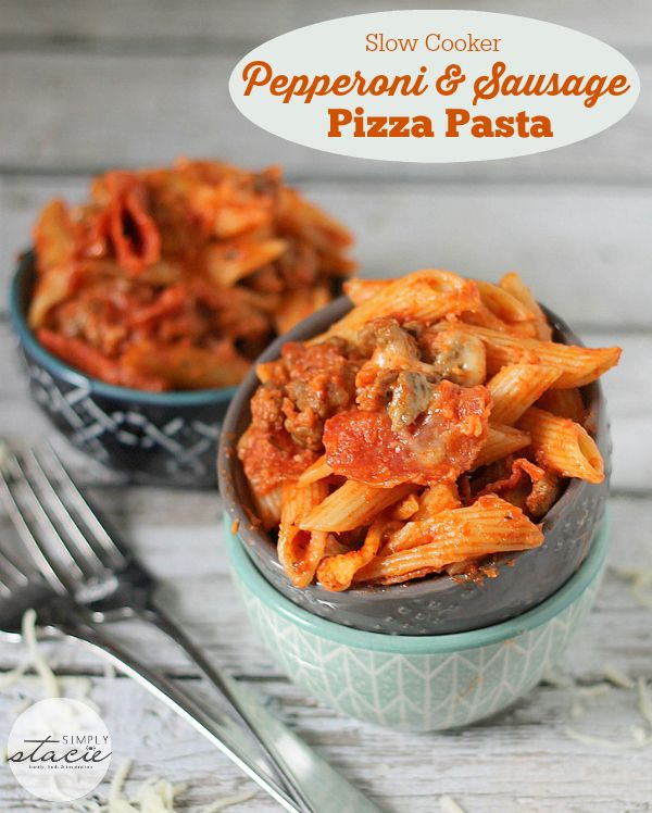 Slow Cooker Pepperoni & Sausage Pizza Pasta #Recipe #Crockpot - filled with all your favorite pizza toppings! I like to call this one comfort food supreme.