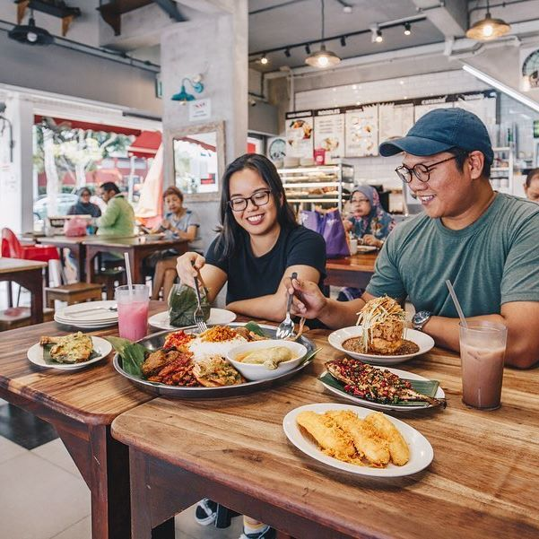 We Found These Delish Halal Asian Food Spots In The North For Group Gatherings So No Fomo From A Giant Nasi Ambang In In 2020 Food Spot Food Guide Asian Recipes
