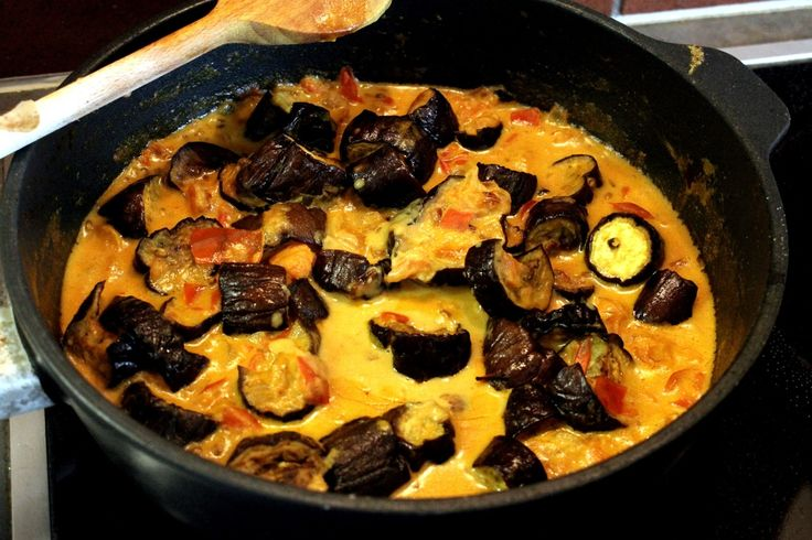 Brinjal Curry - Indian Curry with roasted Eggplants