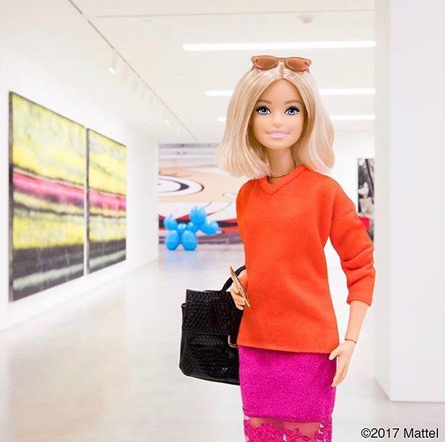 La película de @barbie retrasa su fecha de estreno tendremos que esperar 2 años para ver a Anne Hathaway interpretando a nuestra rubia favorita. #GraziaNews via GRAZIA MEXICO MAGAZINE official Instagram - #Beauty and #Fashion Inspiration - Beautiful #Dresses and #Shoes - Celebrities and Pop Culture - Latest Sales and Style News - Designer Handbags and Accessories - International Advertising Campaigns - Gifts and Bargain #Shopping Guide - Famous Luxury Brands on Instagram - Trendsetters…