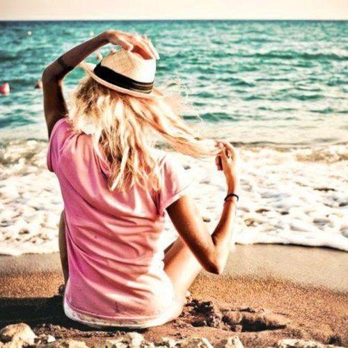 wear a fedora to the beach